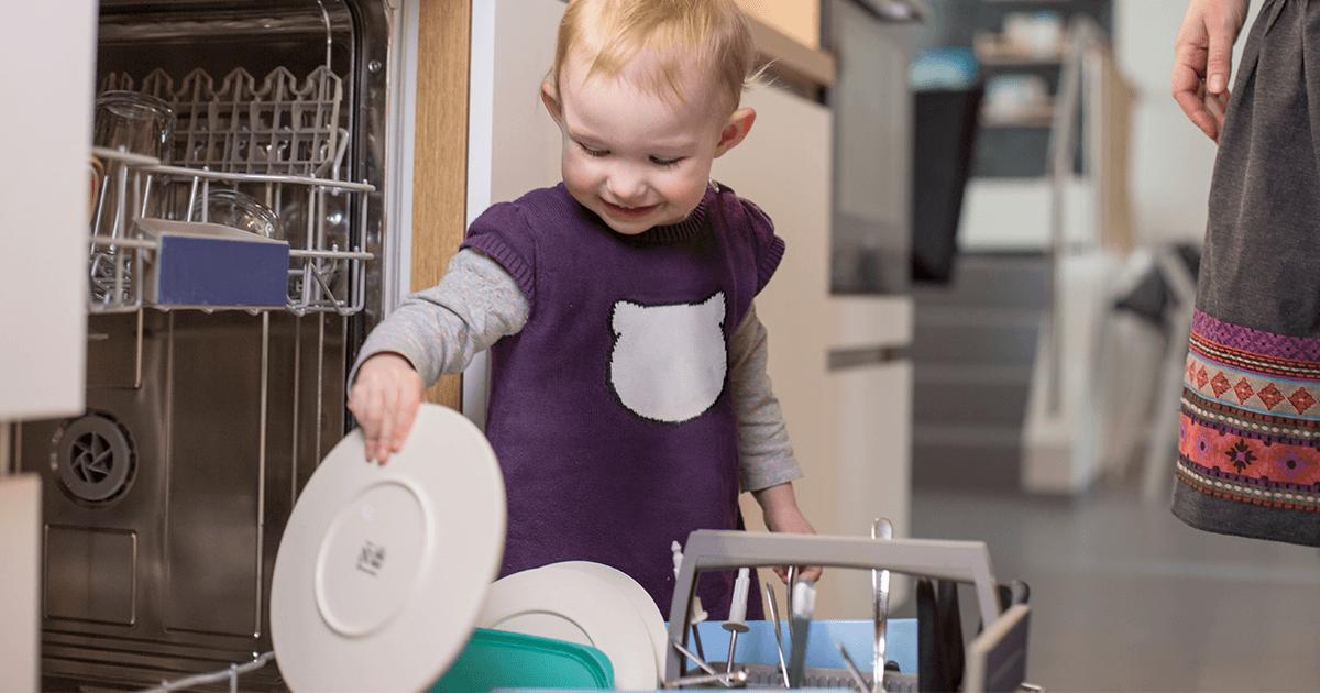 Wichtige Aufgaben für Kinder - Tipps fürs Kochen mit Kindern